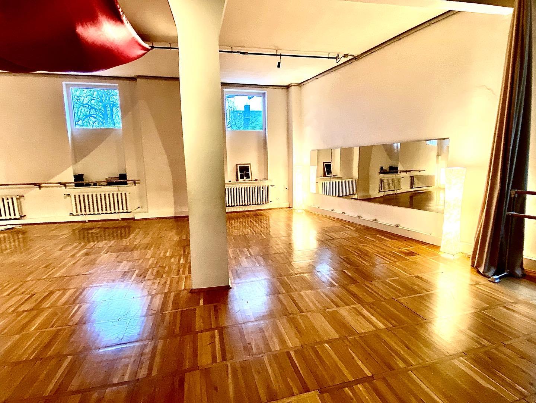 Raum für Workshops, Fortbildungen oder private Feste zu vermieten.
